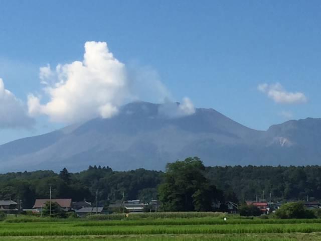 嬬恋村の鎌原から見た浅間山