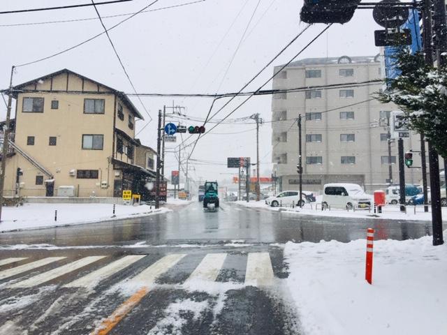 町の道路は融雪が効いてます